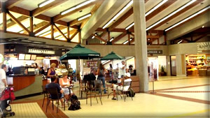 what to do at kahului airport